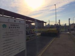 【写真4】矢部駅からゲートにつながる通路