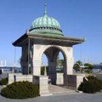 山下町のインド水塔と阪東橋のアルペンジロー — 横浜逍遙