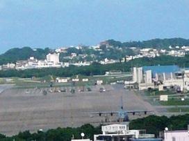 嘉数高台から見た普天間基地
